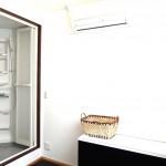 スタッフのためにベッド・TV・冷蔵庫・シャワールームも設置しました♪