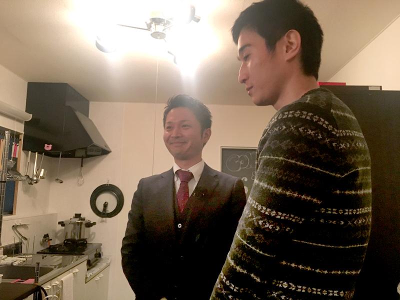 緊張気味のスタッフ吉田がリノベーション物件紹介